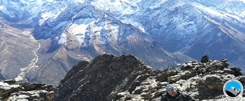 LuriGo Peak 5,212m Trek